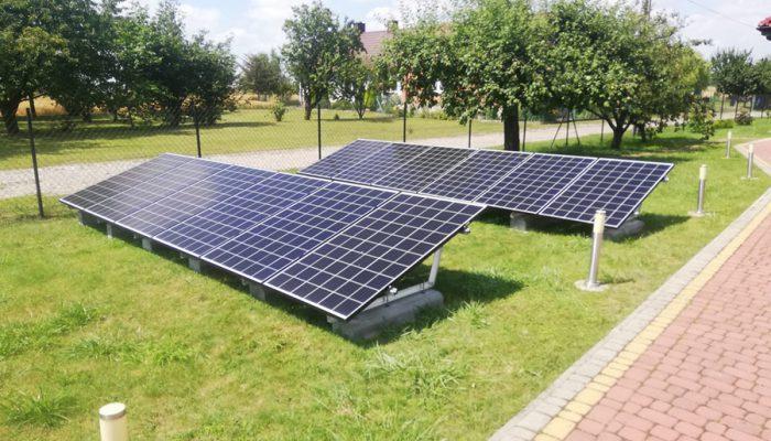 Przykład hybrydowej instalacji fotowoltaicznej – na gruncie i na dachu - otwartaenergia.pl