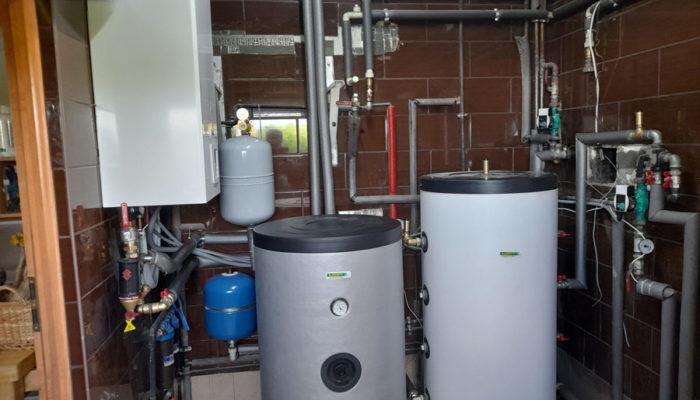 Zakończony montaż pompy ciepła – instalacja w domu jednorodzinnym - otwartaenergia.pl