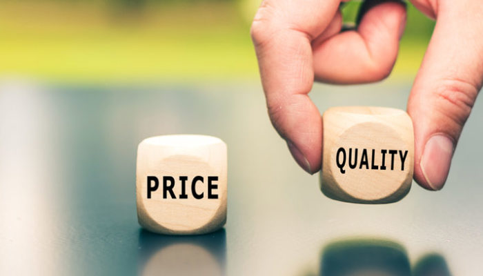 Symboliczna prezentacja stosunku jakości do ceny w kontekście nabywania taniej pompy ciepła - otwartaenergia.pl